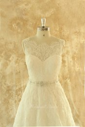 White ivory Lace Wedding Dresses A Line Scalloped Neck Sleeveless Beads Sash Open Back Corset Bridal Gowns Vestidos de casamento LA
