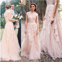 Wholesale Robes cou Vintage Plage Blush Lace Garden Robes Sexy robe de noiva V profond Cap manches Layered Reem Acra dentelle longue de mariée