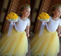 Descuento faldas para las muchachas de los niños Amarillo Long Tulle Flower Girl faldas una línea de plisado piso longitud tutú personalizado por la falda de los niños