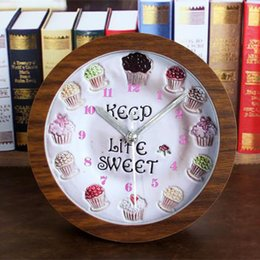 Wholesale Rural wood Board alarm clock Ice cream cake vintage table clock Battery