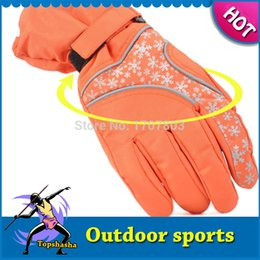 Wholesale skiing and snowboarding guantes para esqui in autumn and winter cold wind riding ski gloves snow flower dec winter gloves ss067
