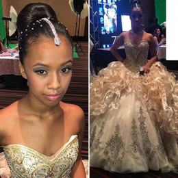 2016 New Luxury Bling Rhinestone Crystals Quinceanera Dresses Embroidery Sexy Gold Organza Sweet 16 Ruffles Formal Prom Ball Party Gowns