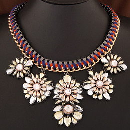 2017 Fashion Link Chain Elegant Flower Fashion Jewelry All-match Jewelry Resin Exaggerated Collar Necklace Women Sweater Accessories