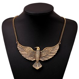 Wholesale High End Fashion Jewelry Necklace Antique Gold Bird Shape Pendant Necklace With Gold Thin Chain