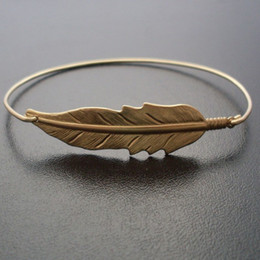 Wholesale Feather Hippie Gold Bangle Bracelet Europe and the United States Hot Sale Flying Bird jewelry YPQ0102