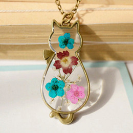 Cute Bronze Cat Pendant Necklaces Animal Natural Pressed Real Flowers Jewellery Glass Pendant for Girls Long Chain Necklaces nxl042