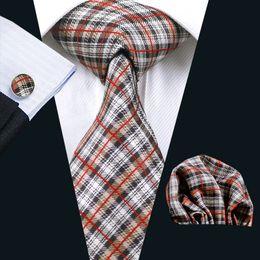 High Qualtiy Business Necktie Set Hanky Cufflinks Brown Check Silk Jacquard Woven Classic Necktie Set N-0283
