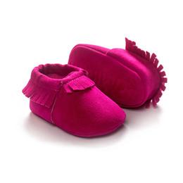 Hot Pink Chaussures pour bébés Chaussures pour tout-petits faites à la main Soft Fringe Scrub Bébés chaussures de marche Feetcover New Arrival à partir de gommage main fabricateur