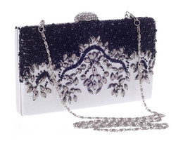 Wholesale 2016 New Trend of European Fashion Popular Solid Beaded Bag Crystal Evening Simple Atmospheric Lady s Bags