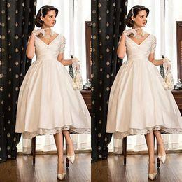 Elegant Short Wedding Dresses Lace Satin Tea Length Puffy Wedding Gowns Duabi Arab Short Sleeve Ball Gown V-neck Ruched