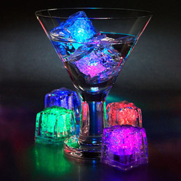 Light Up Ice Cubes LED Blinking Flashing Novelty Party Supply Christmas decoration Flash LED Ice Cube block