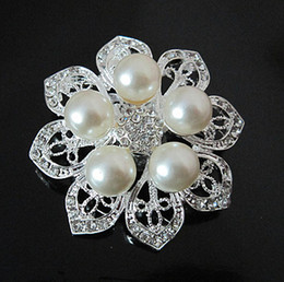 2 Inch Faux Pearl and Clear Crystal Rhinestone Flower Wedding Bouquet Brooch Pins Party Jewelry Accessory