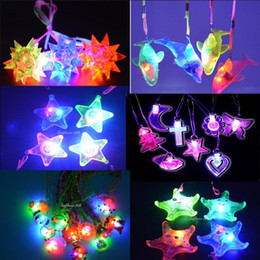 24pcs Fun Light Up LED Flashing Spiky Ball Dophin Star Heart Pendant Necklace Gift Rave Party Halloween Children'Day Wedding Decor Kids Gift