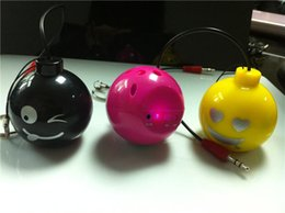Wholesale Mini Bomb Speaker for mm Audio Jack Changeable Facial Expression mobile phone Review portable Speaker HS03