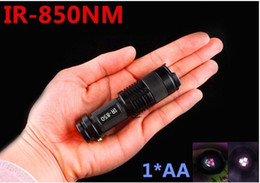 Wholesale NEW Zoom lens IR LED W flashlight nm Infrared Radiation ir Lamp waterproof With night vision night vision flashligh