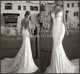 2015 High quality Custom made Bridal Gowns Mermaid Appliques Sweetheart Lace Sheer back Floor Length Court strain Wedding Dress