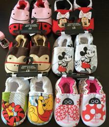 Promotion la conception de chaussures de couleur Style britannique Baby Walker Chaussures (0-24M) conception de bande dessinée en général pré-marcheurs chaussures antidérapant choisir la couleur