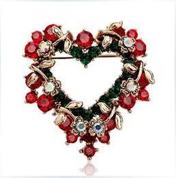 Promotion nouvelles robes de filles de noël Robe Broche Cristal Mode féminine Noël Nouvelle Marque de haute qualité Broches fleurs Coeur de Noël Pins pour les femmes / filles Bijoux Cadeau