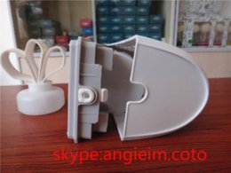 Wholesale aroma dispenser aerosol dispenser fan fragrance machine liquid perfume essential oil refill air purifier