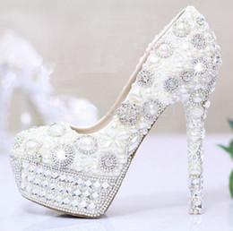Perles de diamant hauts talons en Ligne-blanc perle chaussures diamant de mariage des femmes de mariage Bridals Chaussures chaussures à talons hauts chaussures de mariage éternel strass perle