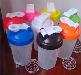 Wholesale Hot cup of protein powder shakes multicolor Smart Shake Gym Protein Shaker Mixer Cup Whisk Ball water bottle botella de agua A2