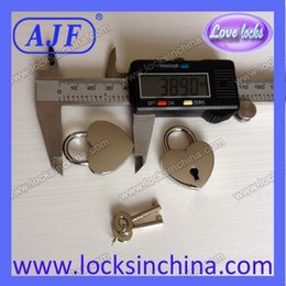 Wholesale AJF silver polished newest popular valentine s gift of heart shaped padlock Love is the blessing of the lock