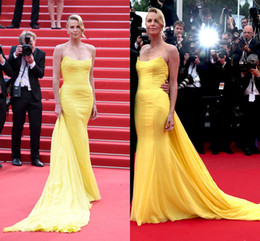 2015 cannes Celebrity Evening Dresses Long Strapless Yellow Chiffon Mermaid Prom Dresses With Train Zipper Back Pleats Elegant Formal Dress