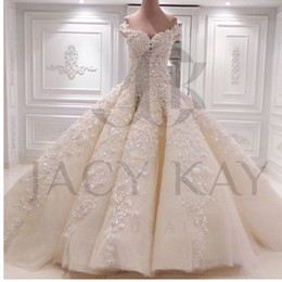 Gorgeous Ball Gown Pearls Wedding Dresses 2016 Bridal Gowns Princess Spring Sweetheart New Design Wedding Gowns Custom Made