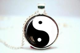 Wholesale 10pcs Colgante de Yin y de Yang collar de Yin Yang collar chino Collar de Cabochon de la foto del vidrio