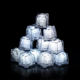 35mmx30mx32mm Flash Button Control LED Ice Cubes Luminous in Water nightlight Party wedding Christmas decoration with On off button