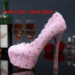 Promotion taille 34 talon rose Doux rose et rouge en dentelle fleurs chaussures de mariée Robe de mariage strass Talons Mesdames chaussures d'été Pluse Taille 34-43