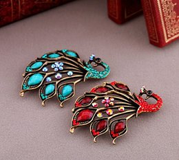 Wholesale Vintage Style Antique Gold Plated Turquoise and Blue Red Rhinestone Crystal Peacock Brooches and Pins
