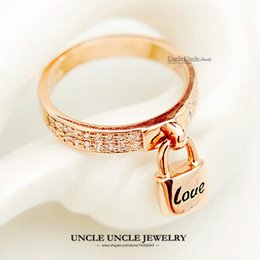 Lock Your Love Design Woman Finger Ring Rose Gold Plated Austrian Rhinestones Micro Inlay Letter LOVE Finger Ring Wholesale 18krgp