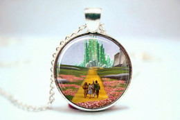 Wholesale 10pcs Wizard of Oz Necklace Emerald City Necklace Glass Photo Cabochon Necklace