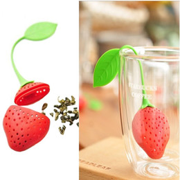 Wholesale New Silicone Cute Red Strawberry with leaf Tea Leaf Strainer Herbal Spice Tea Infuser Filter