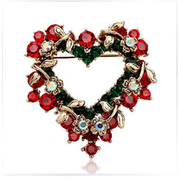 New Girl Women Heart Christmas Brooch Rhinestone High Quality Pin Christmas Gift for Wholesale Free Shipping