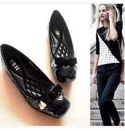 Wholesale Coach car paint line bowknot shallow mouth women Dress shoes with flat sole