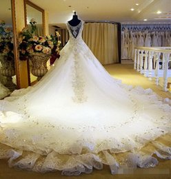 Hot Luxury V-Neck Ball Gown Long Train Silk Organza Lace Applique Zuhair Murad 2016 Church Wedding Dresses Crystal Beaded Bling Bridal Gowns
