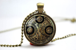 Wholesale 10pcs antique and vintage themed frame Doctor Who Timelord Seal on aged paper glass cabochon dome pendant