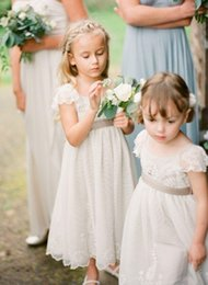 Vintage Flower Girl Dresses Wedding Gowns for Kids Cap sleeve Laced Flowergirl dresses for Wedding
