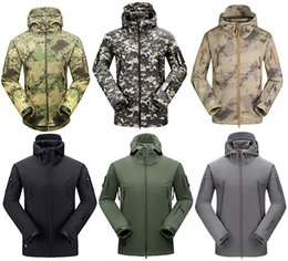 Wholesale 2016 High quality Men Lurker Hiking Jacket Windproof Waterproof Jacket Overalls Sports Camouflage Camping Hiking Athletic Top Apparel