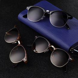 Descuento espejo de cristal clásico Wholesale-1pcs populares de oro espejo gafas de sol retro marco de medio Sombras del estilo del marco clásico de los vidrios de Sun Eyewear 2016 de la venta caliente