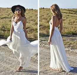 Vintage 2016 Wedding Dresses Backless A-Line Lace 3D-Floral Appliques Boho Wedding Dress Spaghetti Straps V-Neck Floor Length Beach Wedding