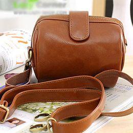 Promotion petits sacs à main marron Gros-2015 petite journée de sac à main sac de messager de sac d'embrayage sac femmes millésime brun caméra de téléphone portable pièce de monnaie
