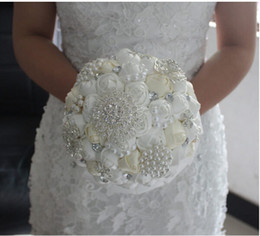 2018 Handmade Top Quality Beaded Pearl Silk Bridal Wedding Bouquet Bridesmaid Bouquets White Artificial Flower Multiple colors Free Shipping