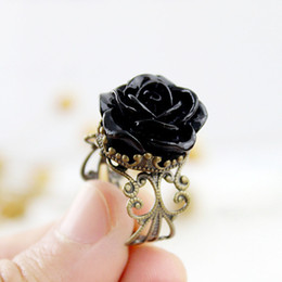 Wholesale Vintage Jewelry Rings for Women Fashion Colorful Rose Hollow Out Flower Finger Gothic Ring