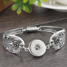 Wholesale 21cm Ginger Snaps Jewelry PC Snap Bracelets MM Fit Snap Button Carve Flower Magnetic Tube Bar Clasp Ginger Snaps Bracelet