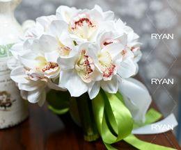 Wholesale Best Quality Decortions Wedding Supplies Artificial Wedding Bouquet Bridal Holding Flowers Wedding Favors Silk Magnolia Bridal Bouquets