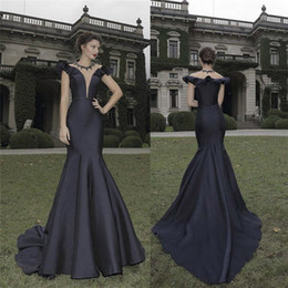2016 Tarik Ediz Black Mermaid Evening Dresses Plunging Neckline Prom Dress Sleeveless Satin Evening Party Gowns