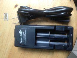 2016 Updtaed High Quality 3V-3.6V voltage TrustFire Lithium Battery Charger for 14500 16340 18650 Battery White Black EU US Plug